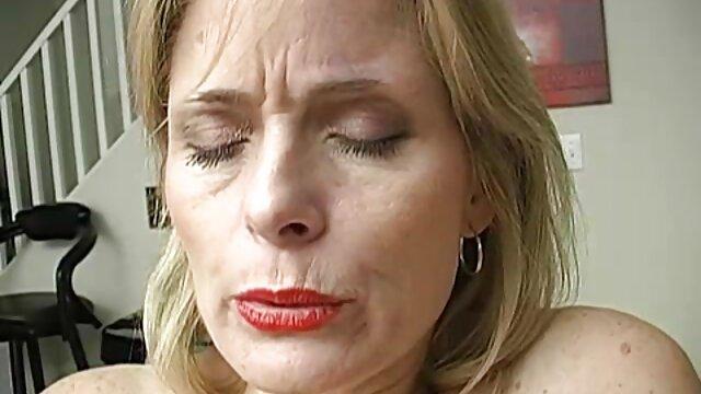 مولی جین, گیر افتاد, سکس دختر با برادر مکیدن دیک در ملاء عام